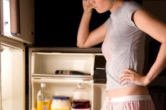 geladeira aberta igual a guarda roupa.jpg