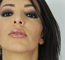 Brilho Holográfico nos Lábios.. .. ...jpg